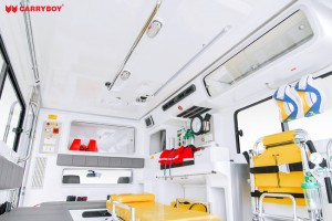 interior_ambulance_abl-lt-ex_e4-2